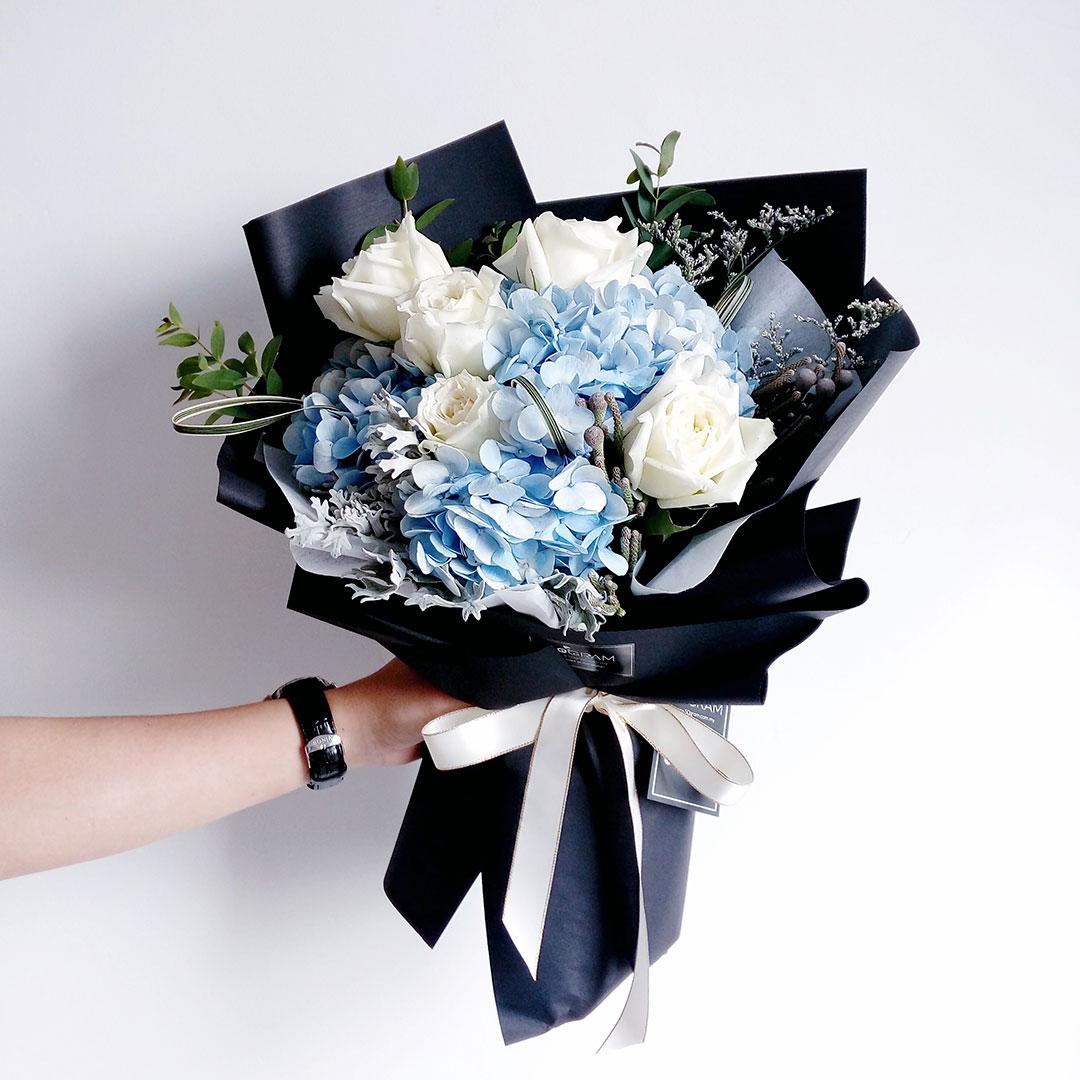 Hand-Bouquet-1.jpg