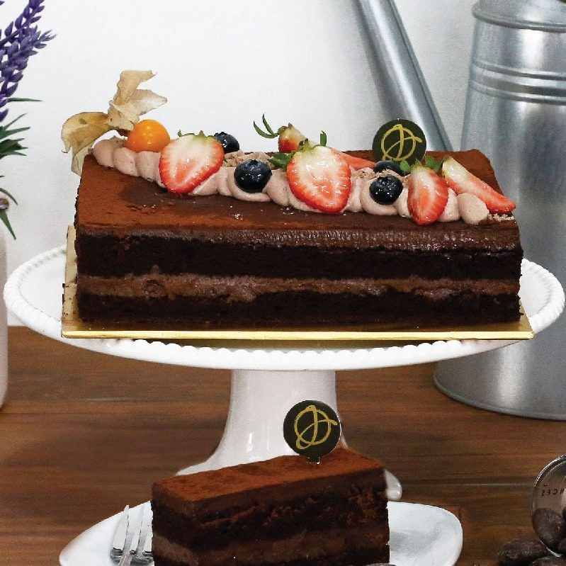 Gianduja Chocolate Cake e1588878407568