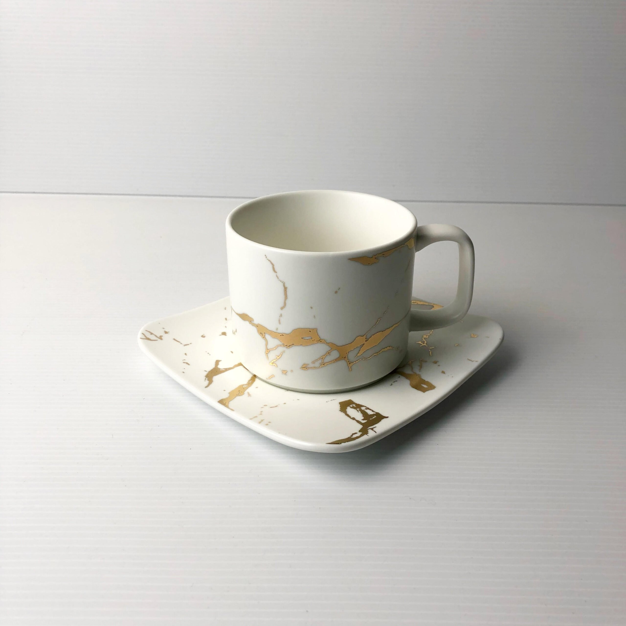 Tea Time Set white scaled