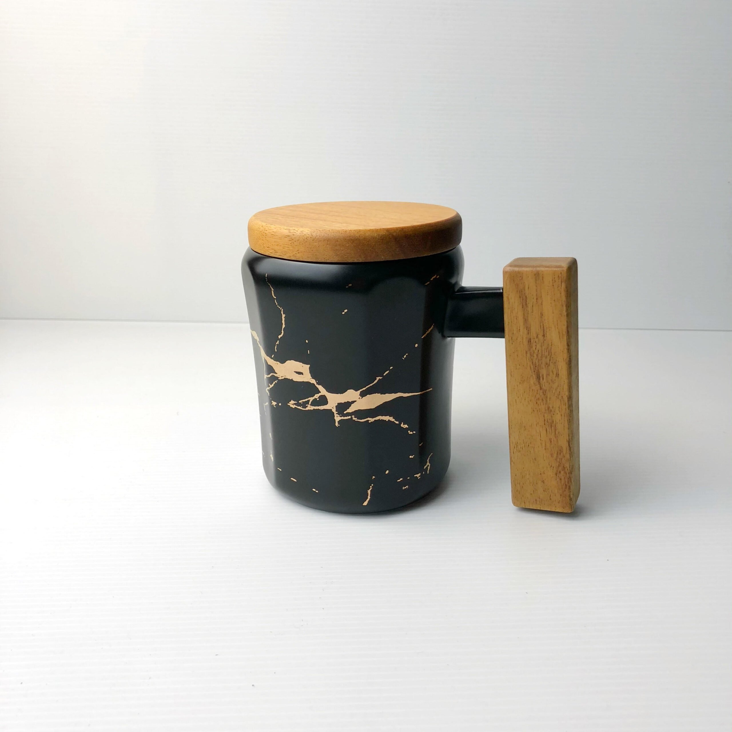 Wooden Handle Marbled Mug black scaled