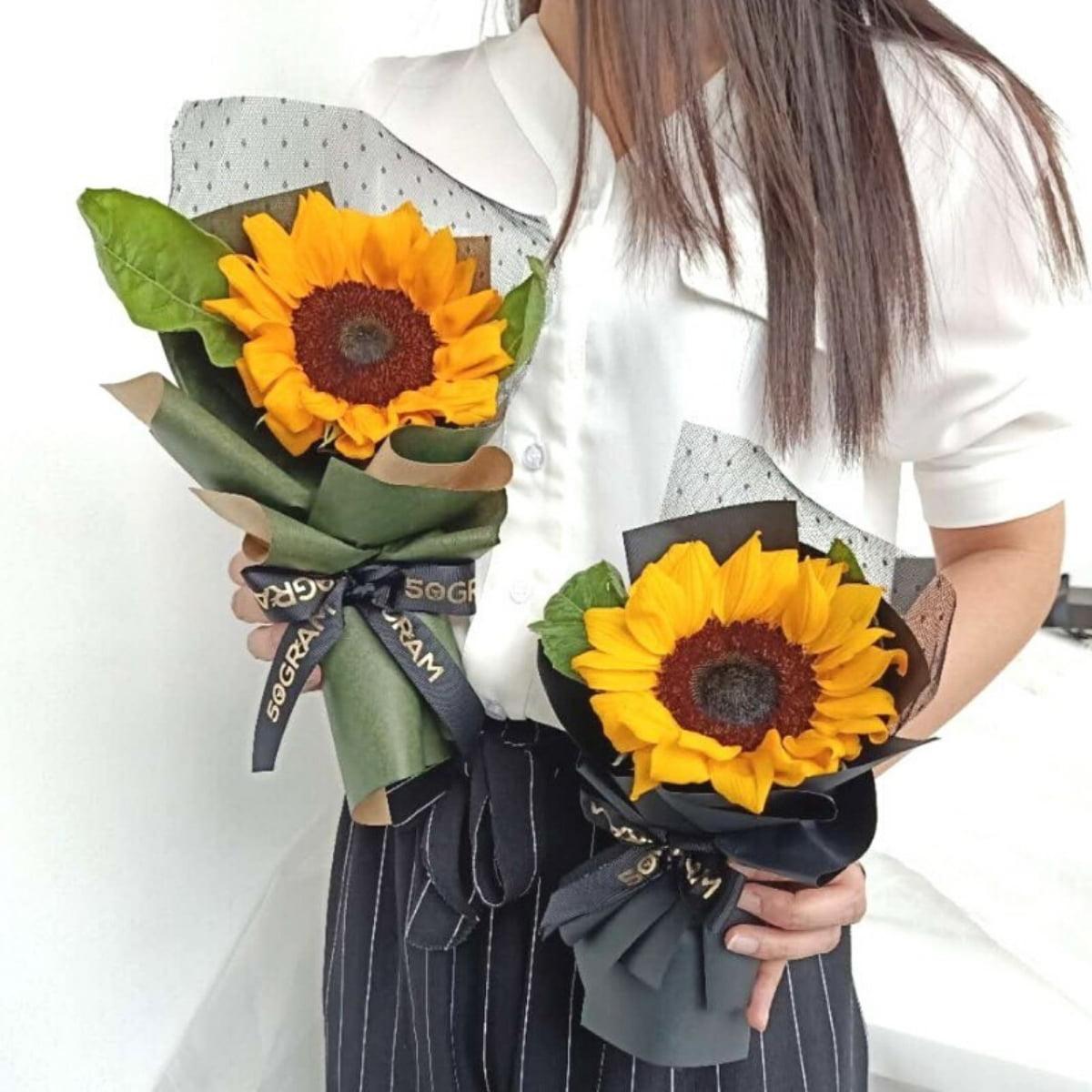 Hand Bouquet Collection 50gram Online Florist Kuala Lumpur