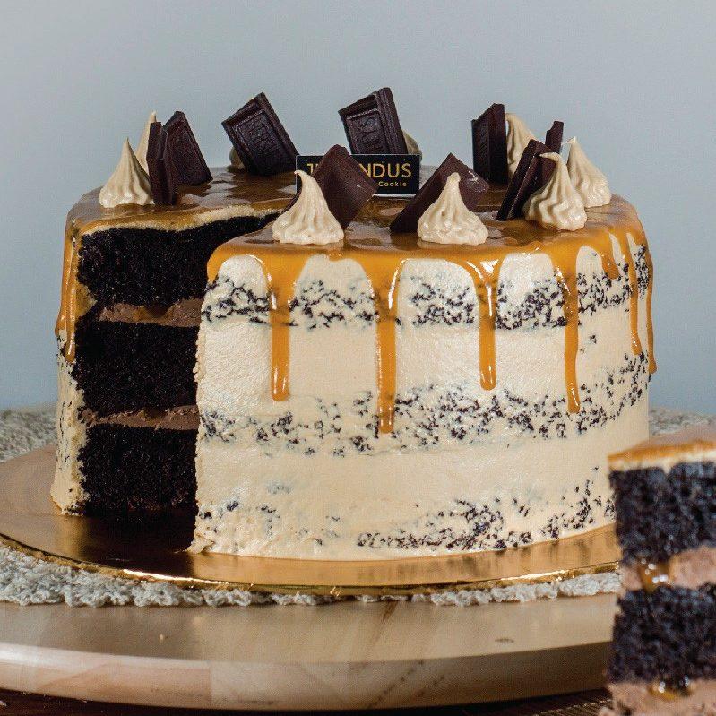 Caramel Chocolate Cake e1589901503278