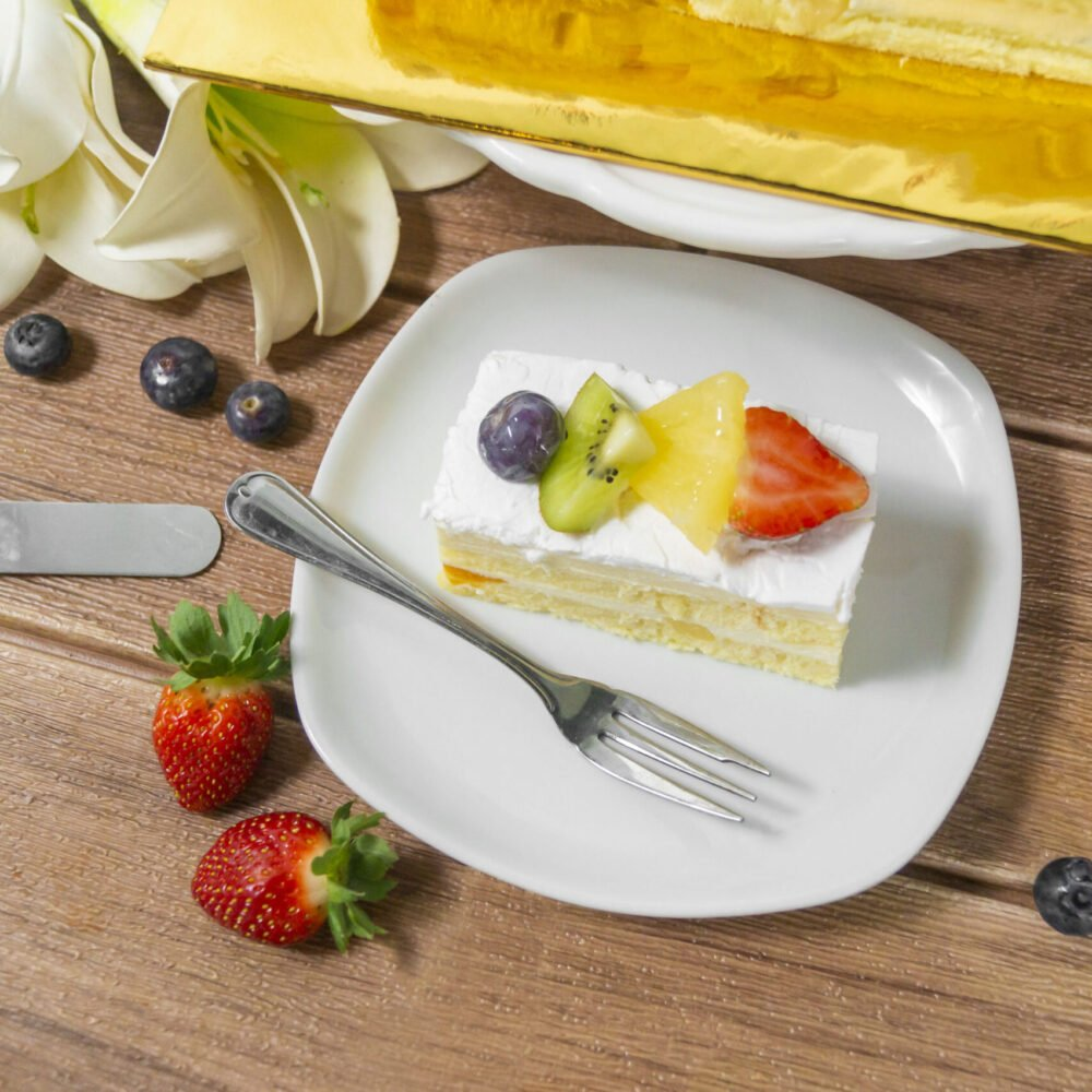 Fruit Chantilly Cake