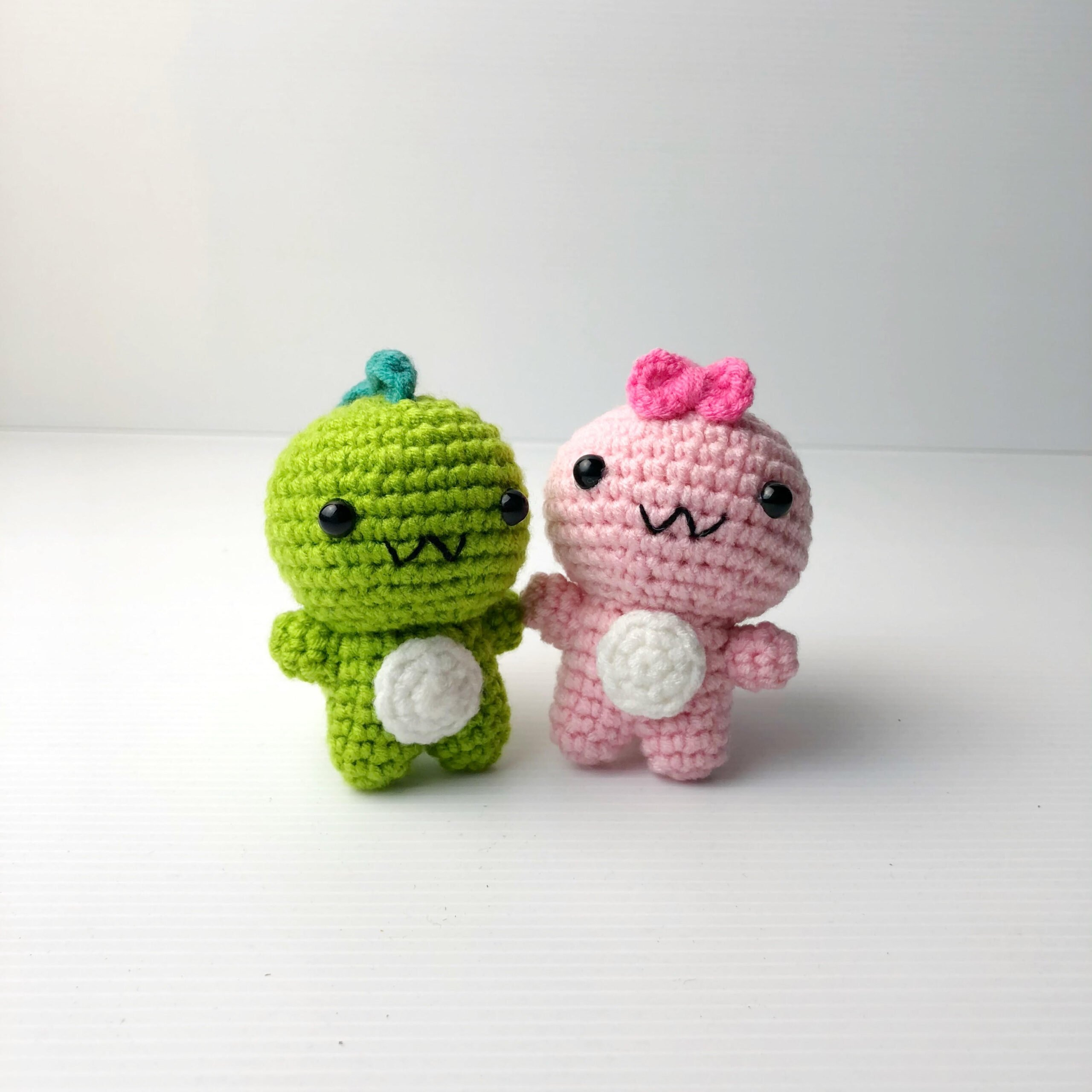 Crochet Couple Dino both scaled