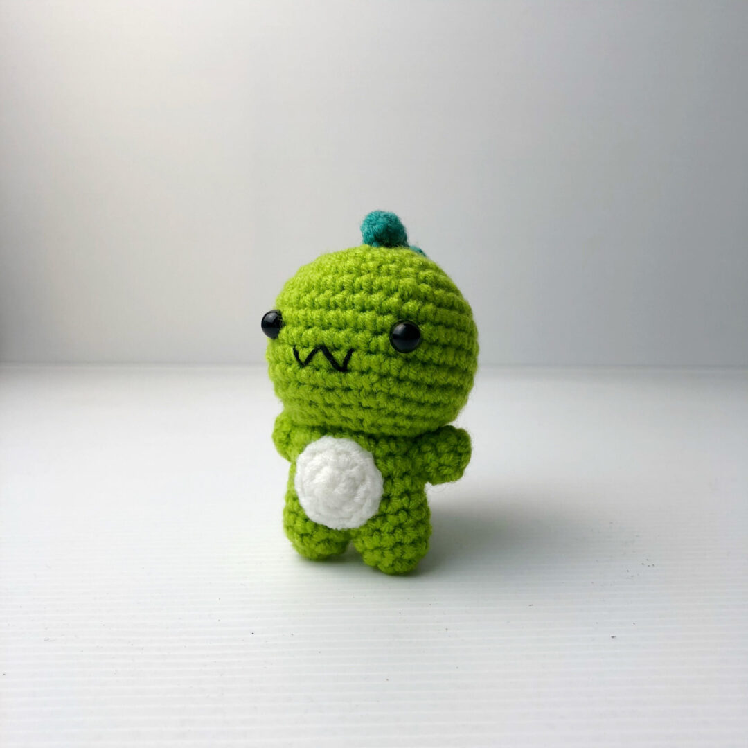 Crochet Couple Dino green scaled