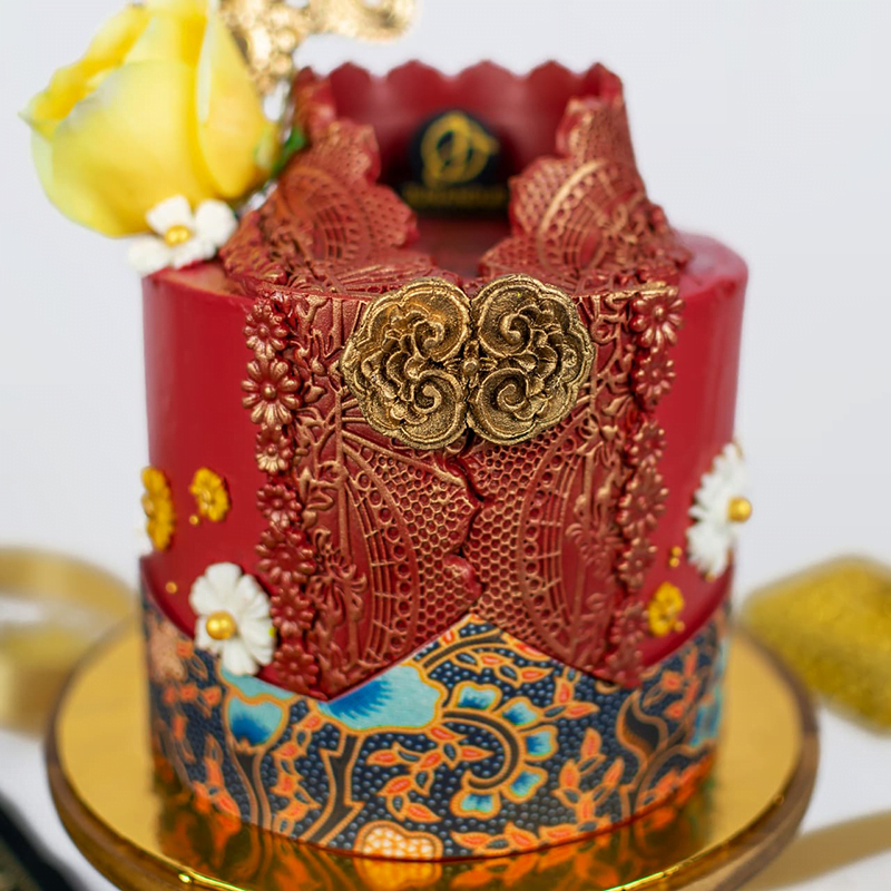 Baju Kebaya Designer Cake 3