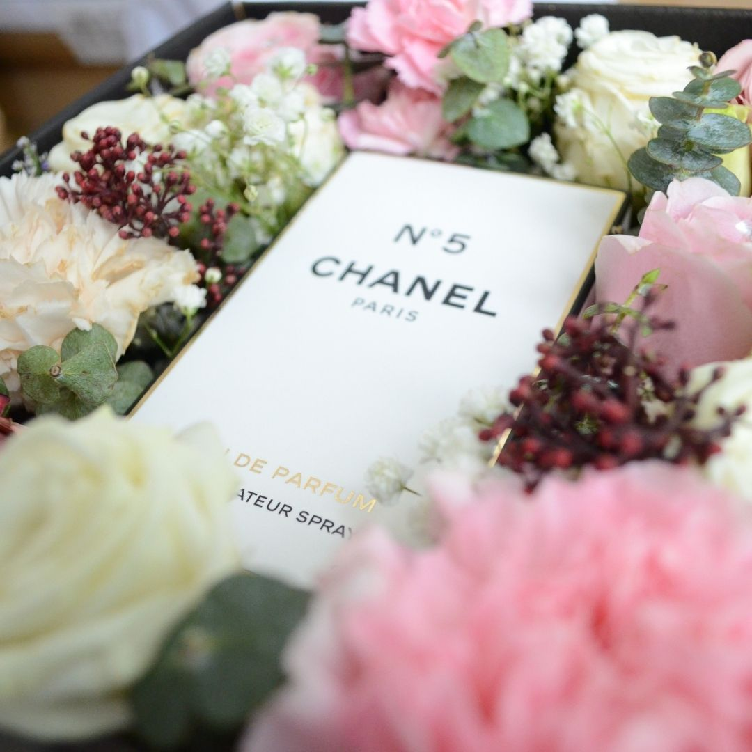 Chanel N5 flower Box 2