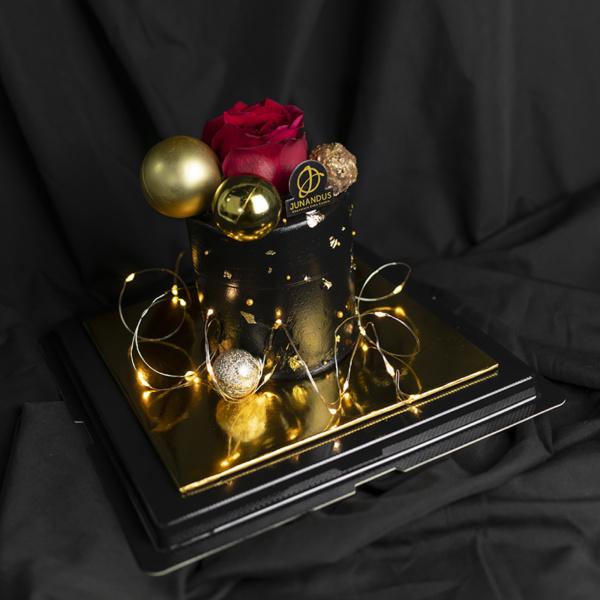 Elegant Dark Valentines cake (2)
