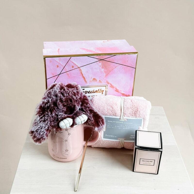 Hug Box Pink 1
