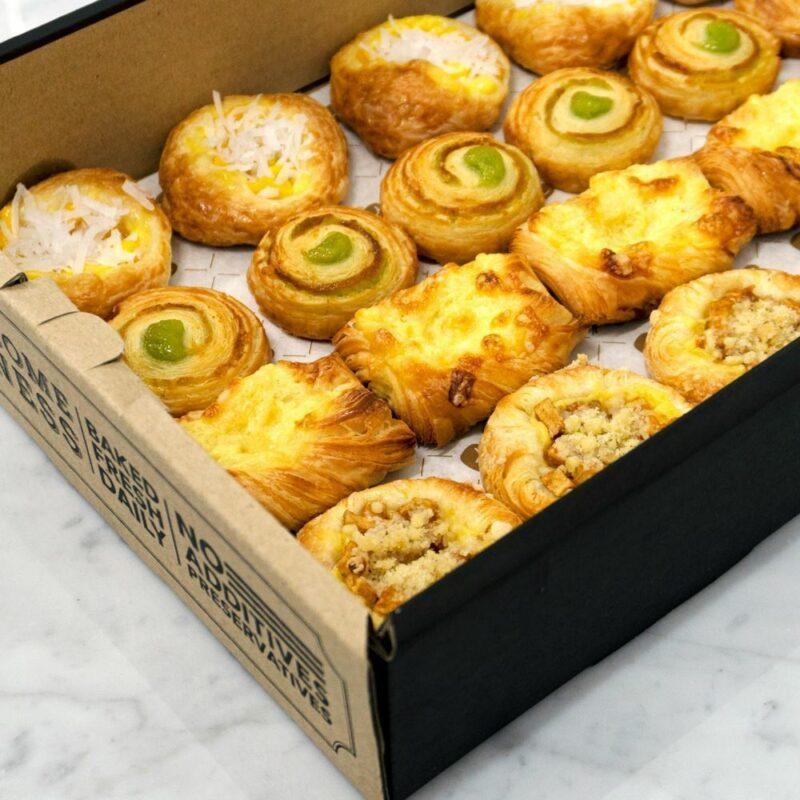 0000528 mini danish catering box 1